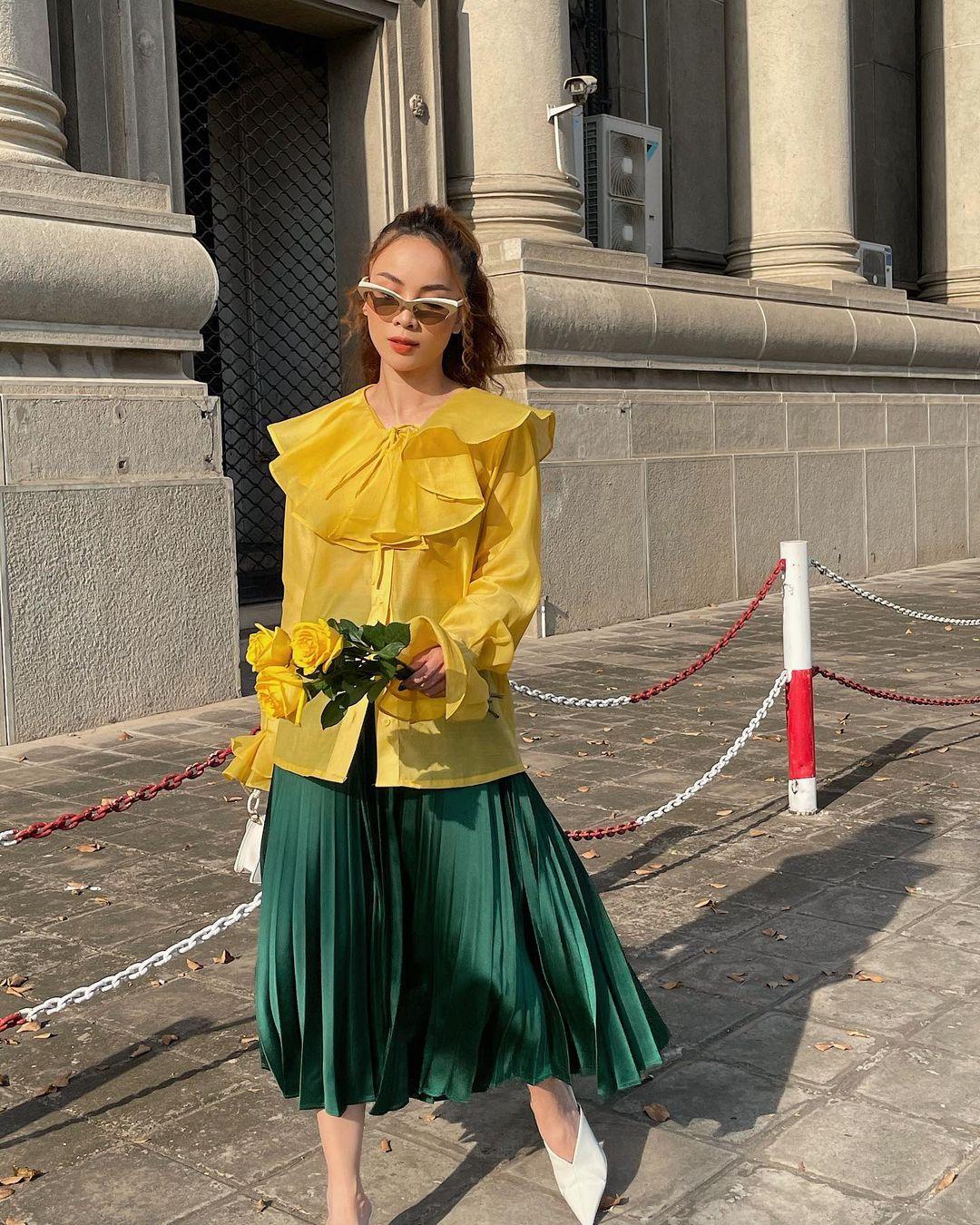 Học mỹ nhân Vbiz sắm ngay 5 kiểu chân váy dài đẹp và sang ngút ngàn 006