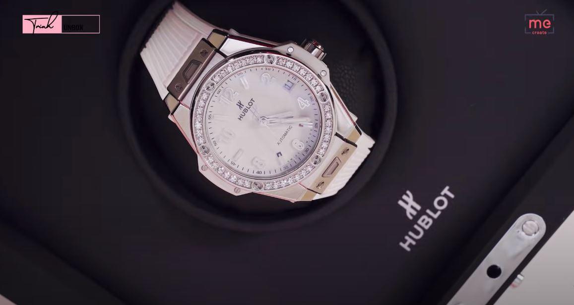 """Ngọc Trinh bị trộm BST đồng hồ trị giá 10 tỷ, nhìn lại những lần bóc giá của cô mới thấy những chiếc đồng hồ ấy """"khủng"""" thế nào - Ảnh 9."""