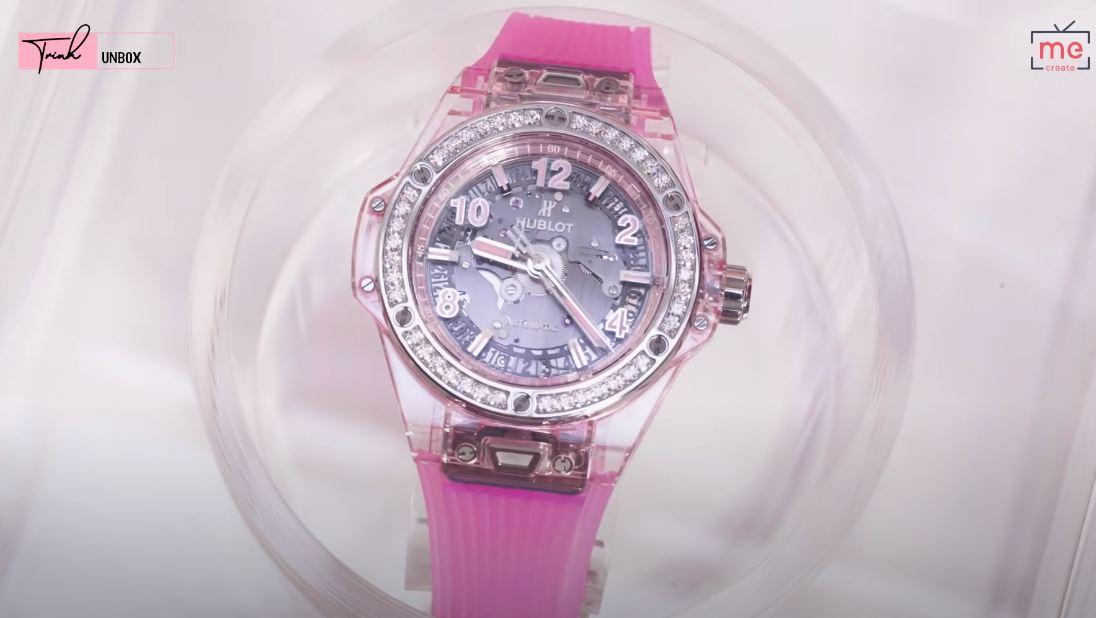"""Ngọc Trinh bị trộm BST đồng hồ trị giá 10 tỷ, nhìn lại những lần bóc giá của cô mới thấy những chiếc đồng hồ ấy """"khủng"""" thế nào - Ảnh 7."""