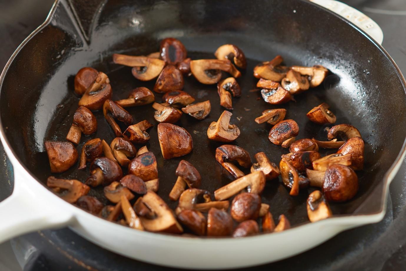 Vượt qua 5 lỗi cơ bản trong cách chế biến nấm để giữ trọn vị ngọt đặc biệt của nấm cho mọi món ăn. - Ảnh 5.