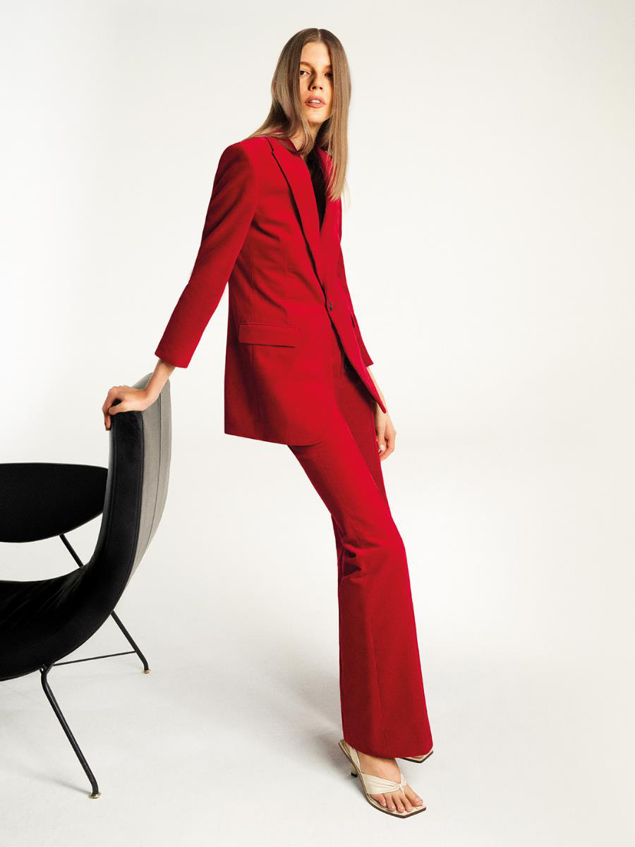 Hé lộ dòng thời trang tối giản sang trọng trong BST CHARLES & KEITH Xuân Hè 2021 - Ảnh 6.