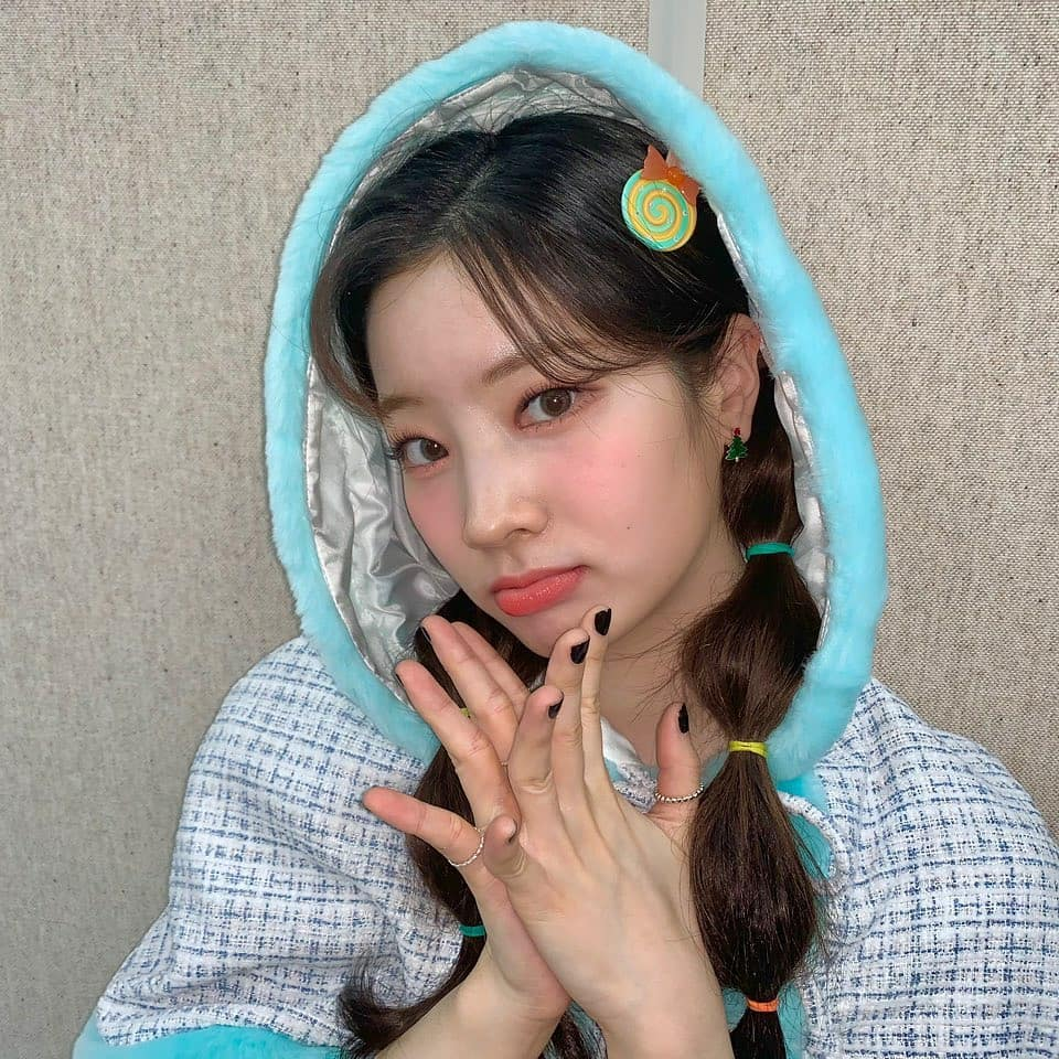 """Style makeup """"vạn người chê"""" của Twice biến idol từ xinh như mộng thành trò hề vì phấn son - Ảnh 8."""