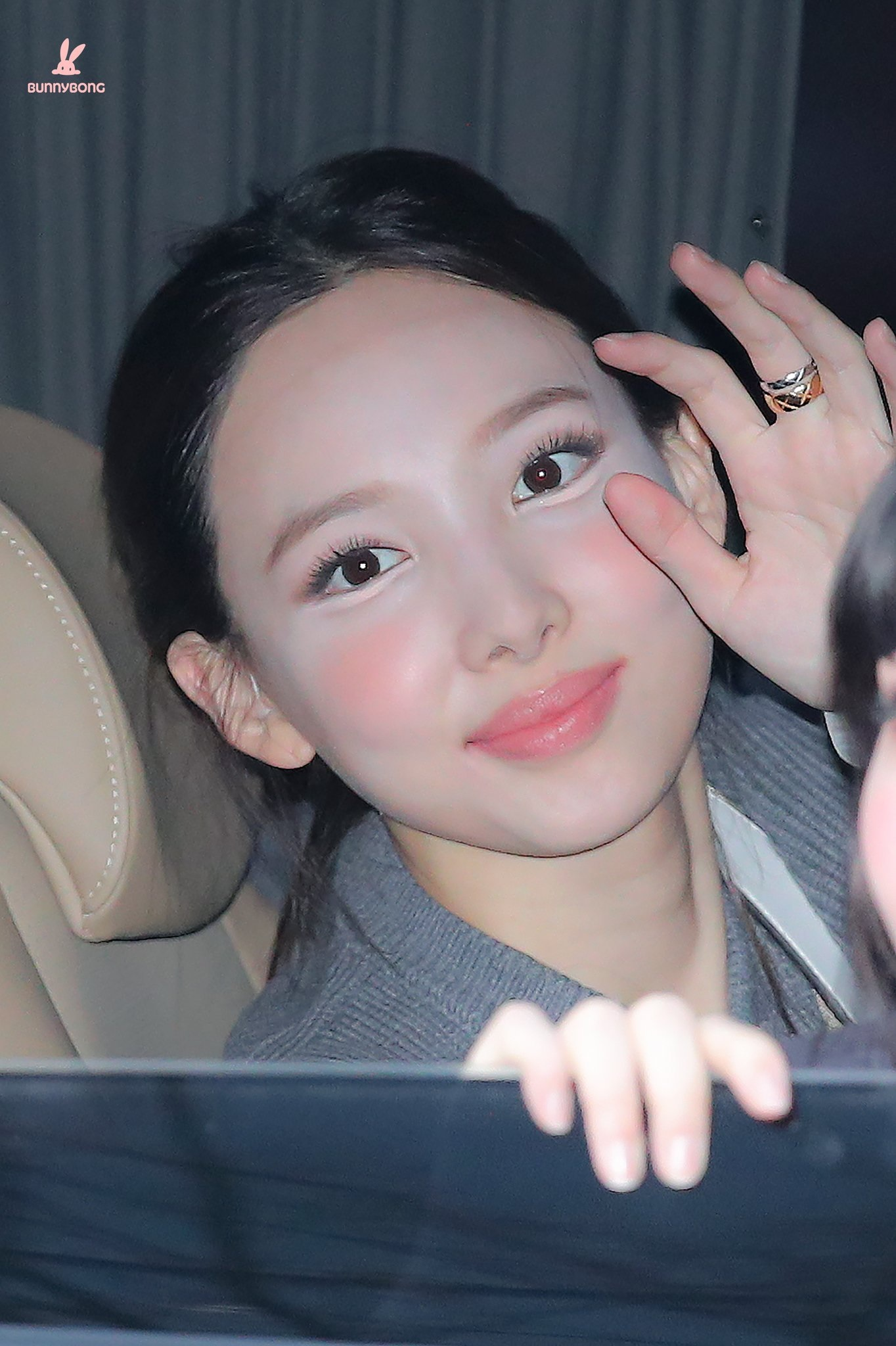 """Style makeup """"vạn người chê"""" của Twice biến idol từ xinh như mộng thành trò hề vì phấn son - Ảnh 3."""