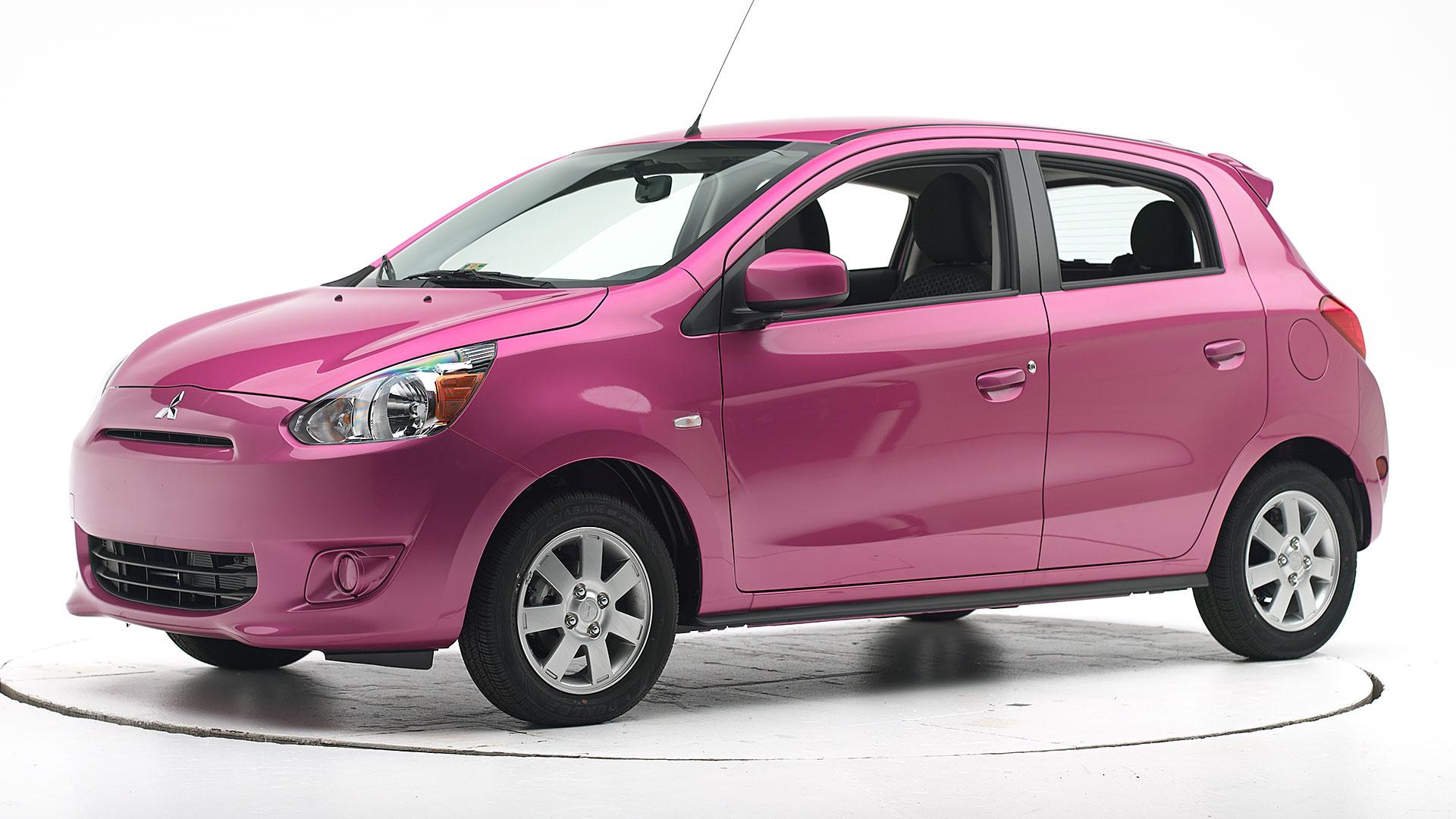 6 mẫu ô tô đầy màu sắc giá bán dưới 500 triệu cho chị em vừa thích xe nhỏ vừa có màu ưng ý - Ảnh 10.
