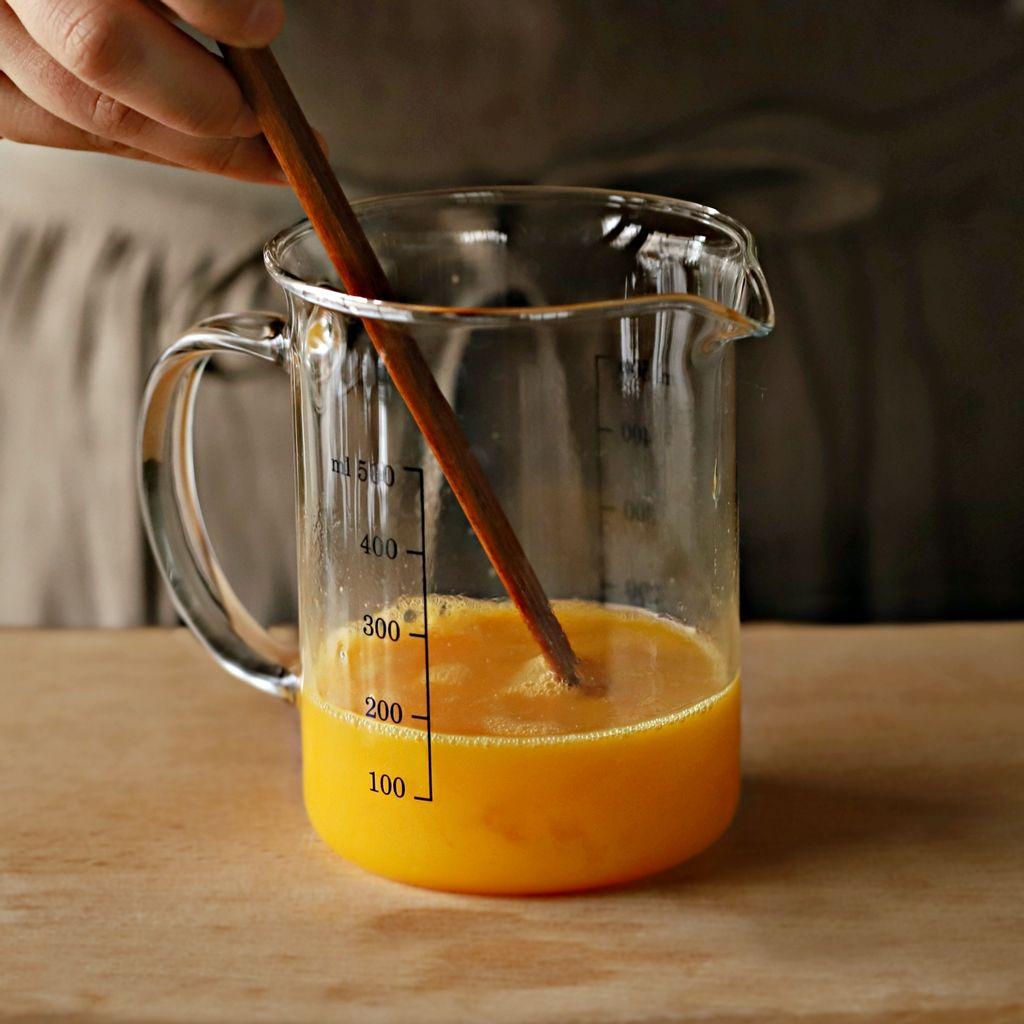 Súp trứng - món ăn sáng vừa ngon vừa nhẹ bụng mà chỉ nấu trong 10 phút là xong! - Ảnh 3.