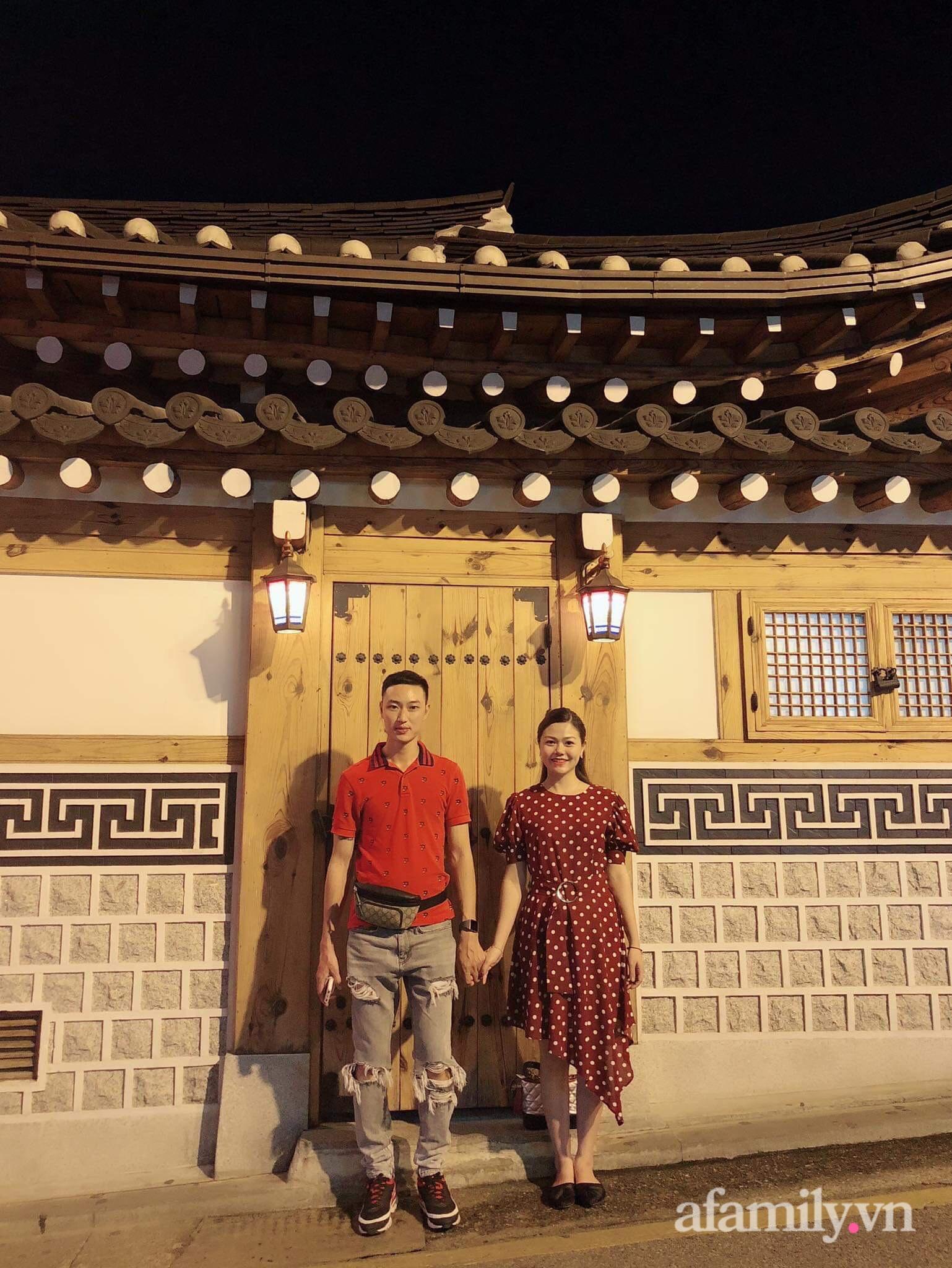 Căn hộ 92m² đong đầy hạnh phúc với nội thất đơn giản, hiện đại của vợ chồng trẻ Hà Nội - Ảnh 3.