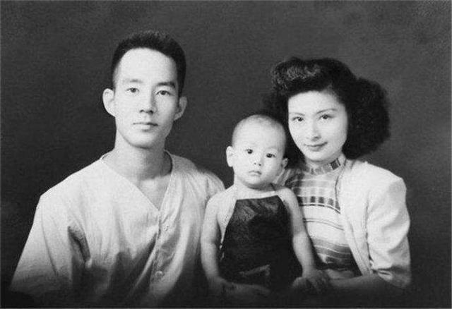 """Hơn kém nhau 12 tuổi, từng là """"cha con"""", người đàn ông 59 tuổi kết hôn với con gái sau 37 năm xa cách, ông qua đời, vợ phải đối mặt với một sự kiện chấn động! - Ảnh 3."""