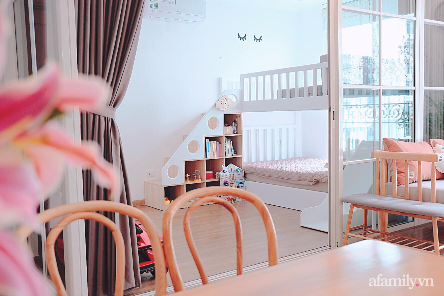 Căn hộ 78m² đẹp tinh tế và tiện dụng với phong cách tối giản của cặp vợ chồng trẻ ở Hà Nội - Ảnh 11.