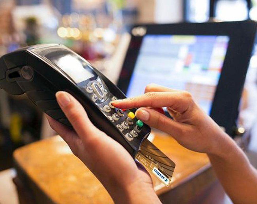 Phân biệt nhanh 7 điều khác nhau giữa thẻ từ và thẻ chip - Ảnh 2.