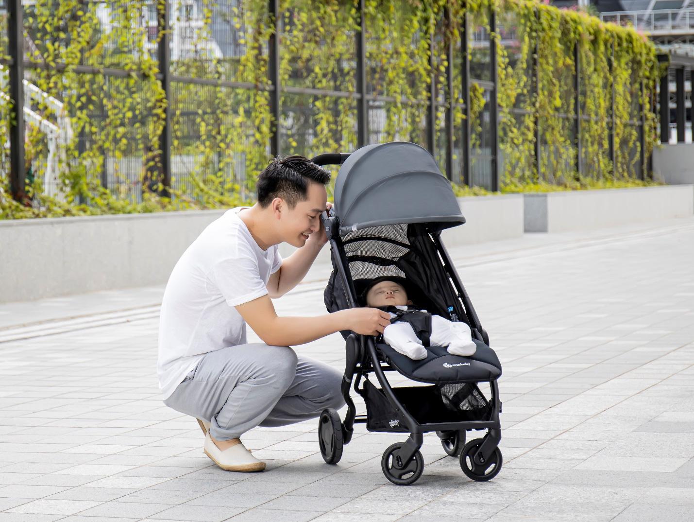 Mách mẹ cách chọn xe đẩy nhập khẩu từ mỹ thoải mái và an toàn cho con yêu - Ảnh 1.
