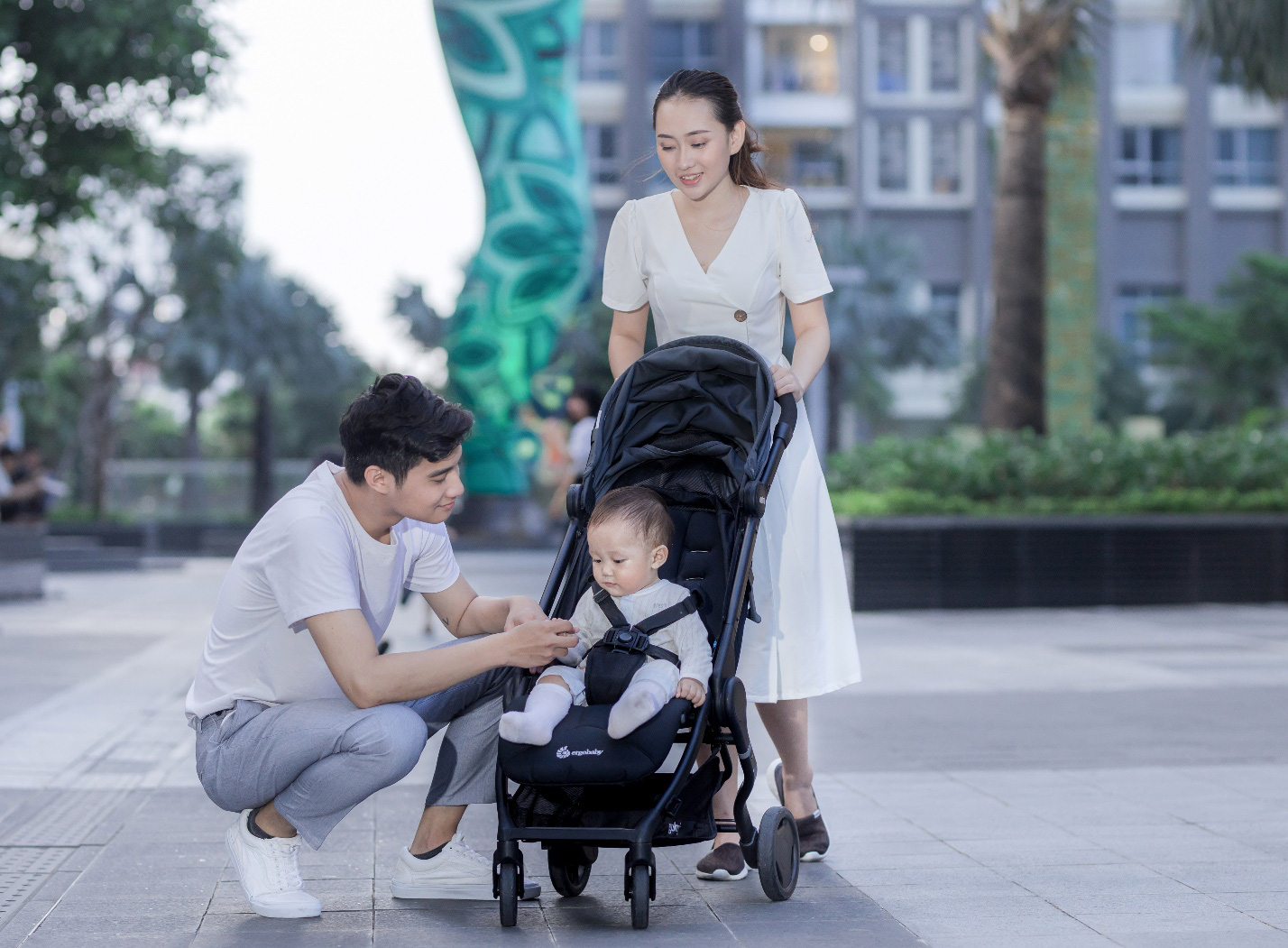 Mách mẹ cách chọn xe đẩy nhập khẩu từ mỹ thoải mái và an toàn cho con yêu - Ảnh 2.