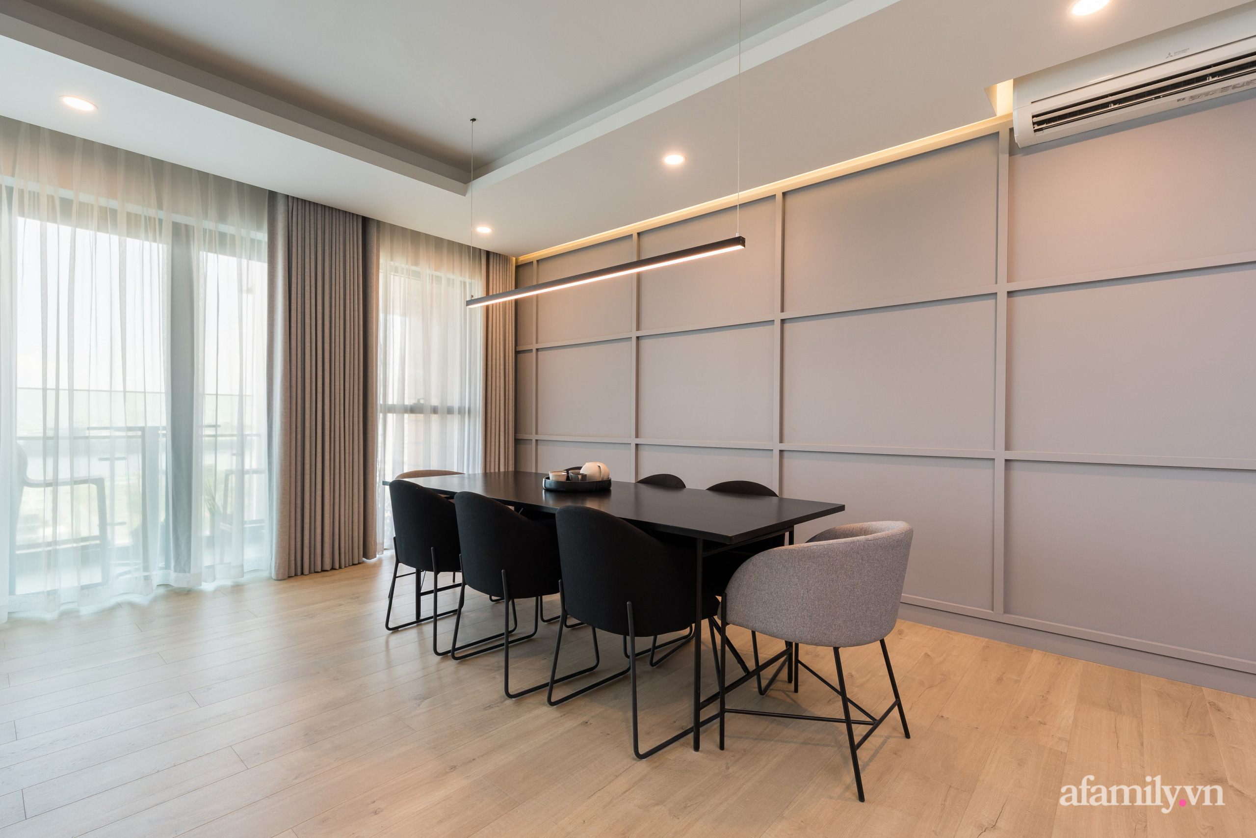Căn hộ 216m² đẹp sang trọng và hiện đại thu trọn vẻ đẹp quận 2 Sài Gòn trong tầm mắt nhờ phong cách Minimalism - Ảnh 10.