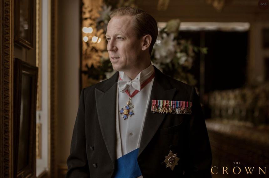 Dàn sao tưởng niệm sự ra đi của Hoàng thân Philip: Gia đình Beckham bị chỉ trích vì đăng ảnh cởi trần, 2 nam tài tử có hành động đặc biệt - Ảnh 7.