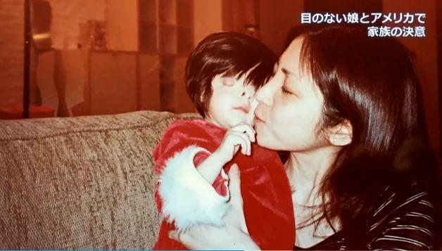 Nhìn mặt con gái mới sinh, người mẹ muốn tự sát nhưng bất thành, không ngờ lại tìm thấy điều kỳ diệu suốt 18 năm sau - Ảnh 7.