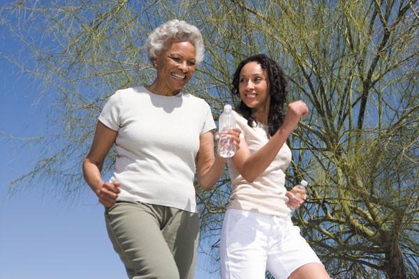 8 sai lầm khi đi bộ khiến sức khỏe bị tổn hại, thậm chí đau nhức toàn thân - Ảnh 20.