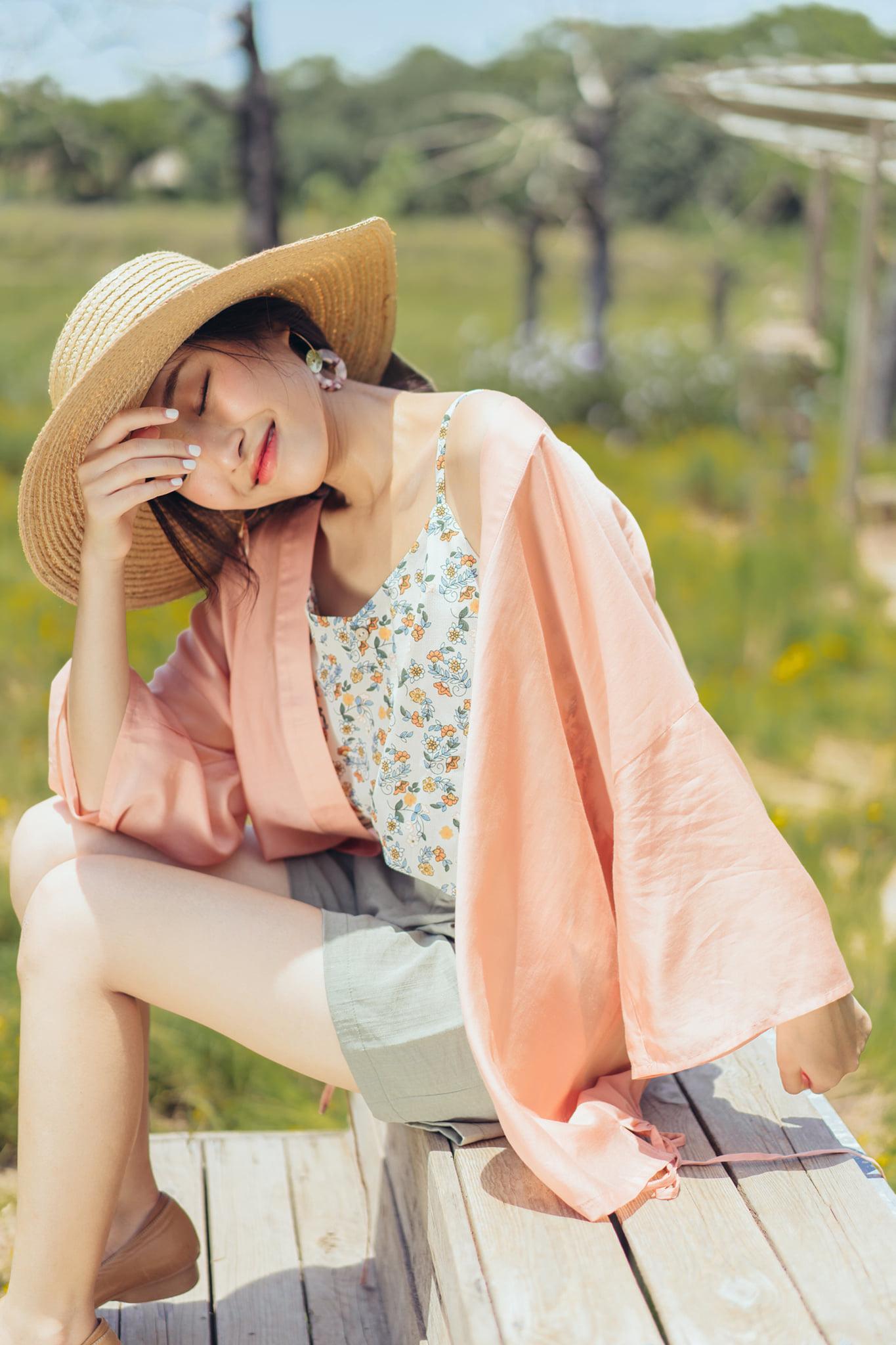 Thời trang Thu Bùi Shop tôn vinh phái đẹp bằng loạt thiết kế hiện đại đầy quyến rũ - Ảnh 1.