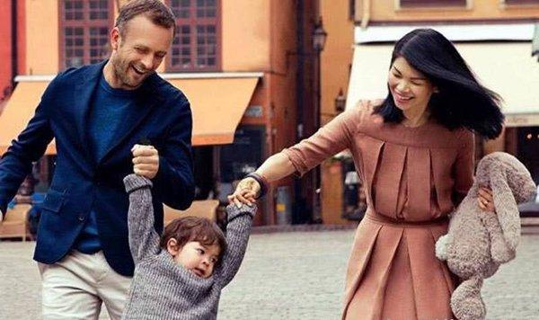 """""""Siêu mẫu xấu nhất Trung Quốc"""" kết hôn sinh và con trai, nhìn ngoại hình bé ai cũng xuýt xoa - Ảnh 2."""