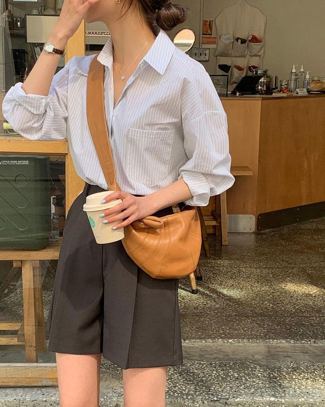Mùa hè nóng nực, chị em nào muốn mặc quần short mà xinh như gái Hàn thì bơi vào đây! - Ảnh 1.