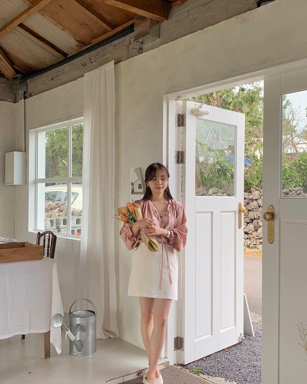 Gái Hàn có 12 cách lên đồ với áo blouse đẹp mê, xem xong là muốn copy đến sở làm liền - Ảnh 5.