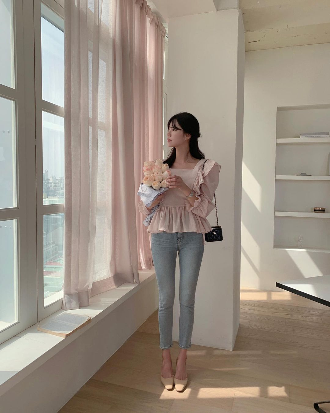Gái Hàn có 12 cách lên đồ với áo blouse đẹp mê, xem xong là muốn copy đến sở làm liền - Ảnh 2.