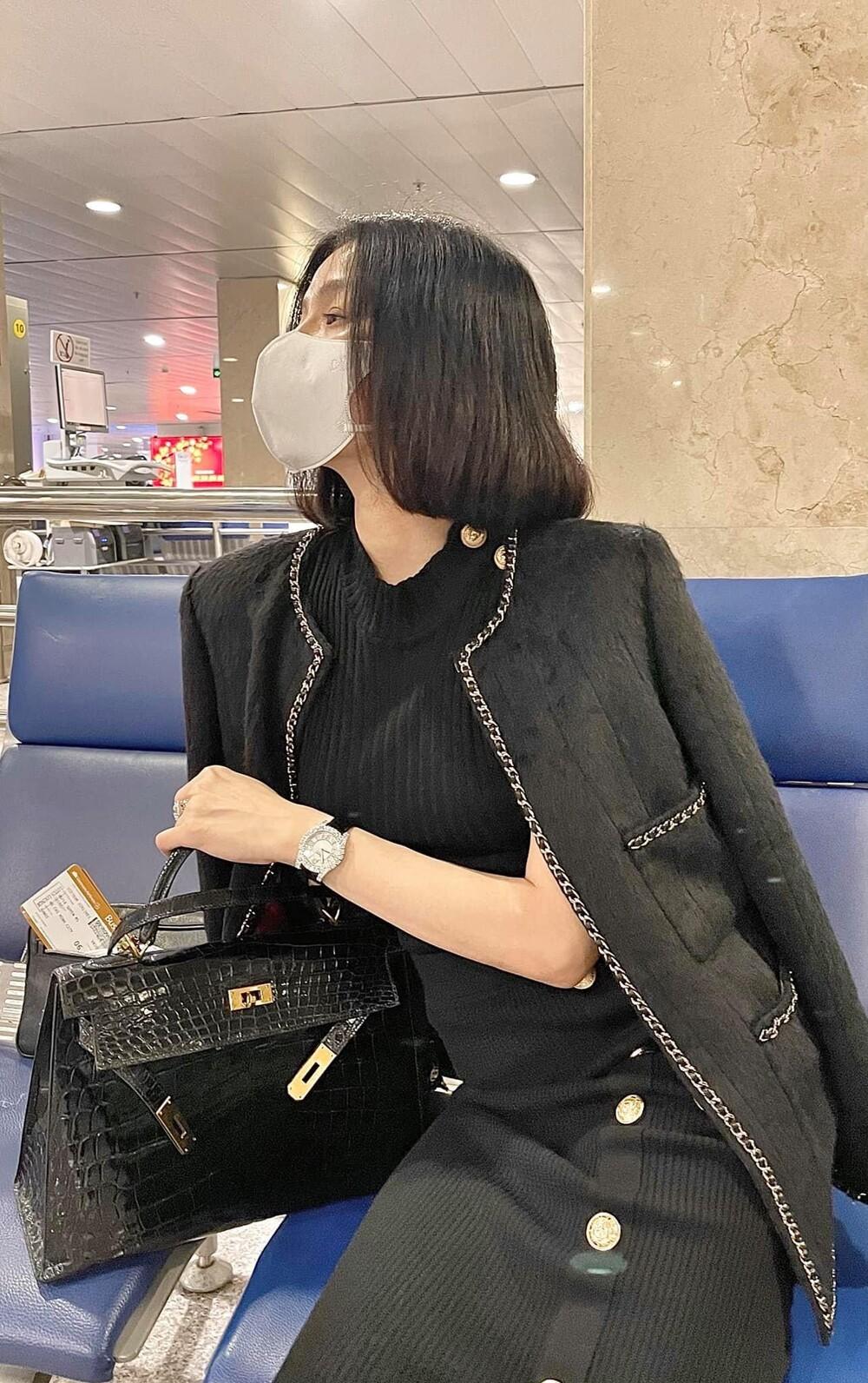 Chơi túi hiệu như Lệ Quyên: Trang phục nào, túi màu đó, khẳng định đẳng cấp đại gia Vbiz - Ảnh 7.