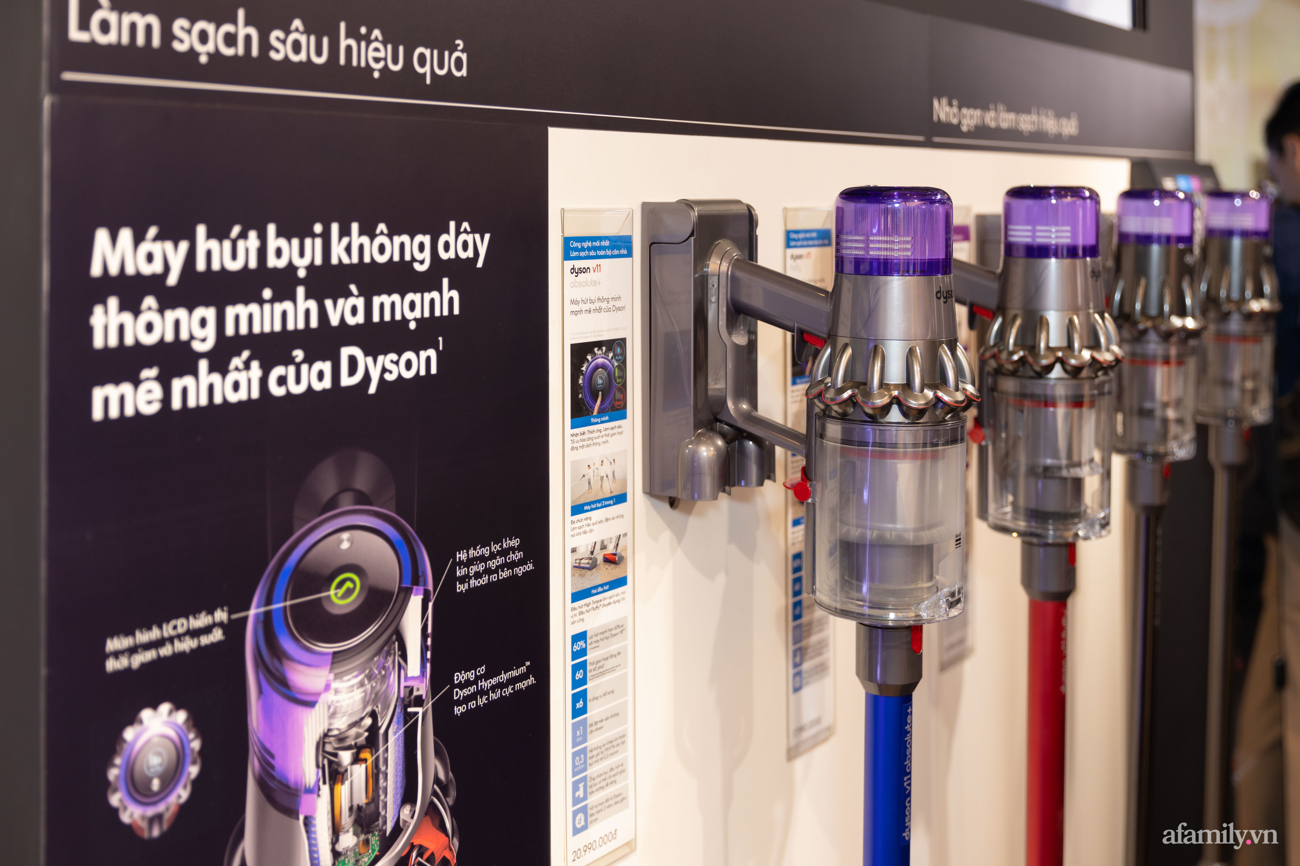 Dyson khai trương cửa hàng đầu tiên tại Việt Nam: Từ máy sấy tóc, quạt, máy hút bụi không cánh giá chính hãng cực tốt cho chị em  - Ảnh 9.