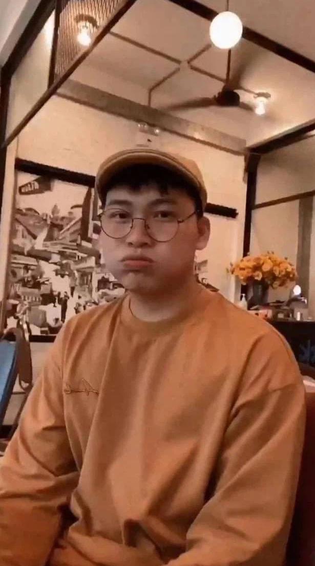 Cuối cùng Mũi trưởng Long cũng đăng ảnh đi chơi với Hậu Hoàng, Dương Hoàng Yến hốt hoảng với chi tiết này - Ảnh 4.