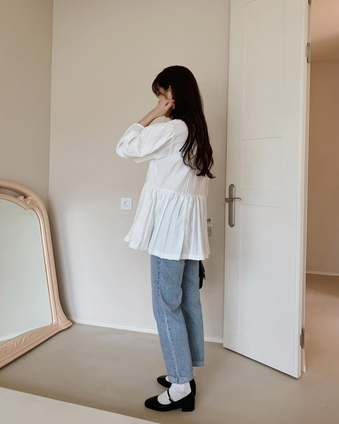 Có 1 mẫu áo mà dàn gái Hàn đang nâng như nâng trứng, diện lên đảm bảo có ảnh đẹp post Instagram sống ảo! - Ảnh 6.