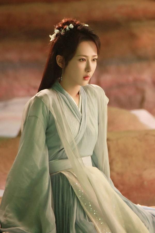 Dương Tử mắc vạ lớn: Fan tẩy chay phim đóng với Thành Nghị, tạo hình quê mùa thua xa Hương mật tựa khói sương  - Ảnh 6.