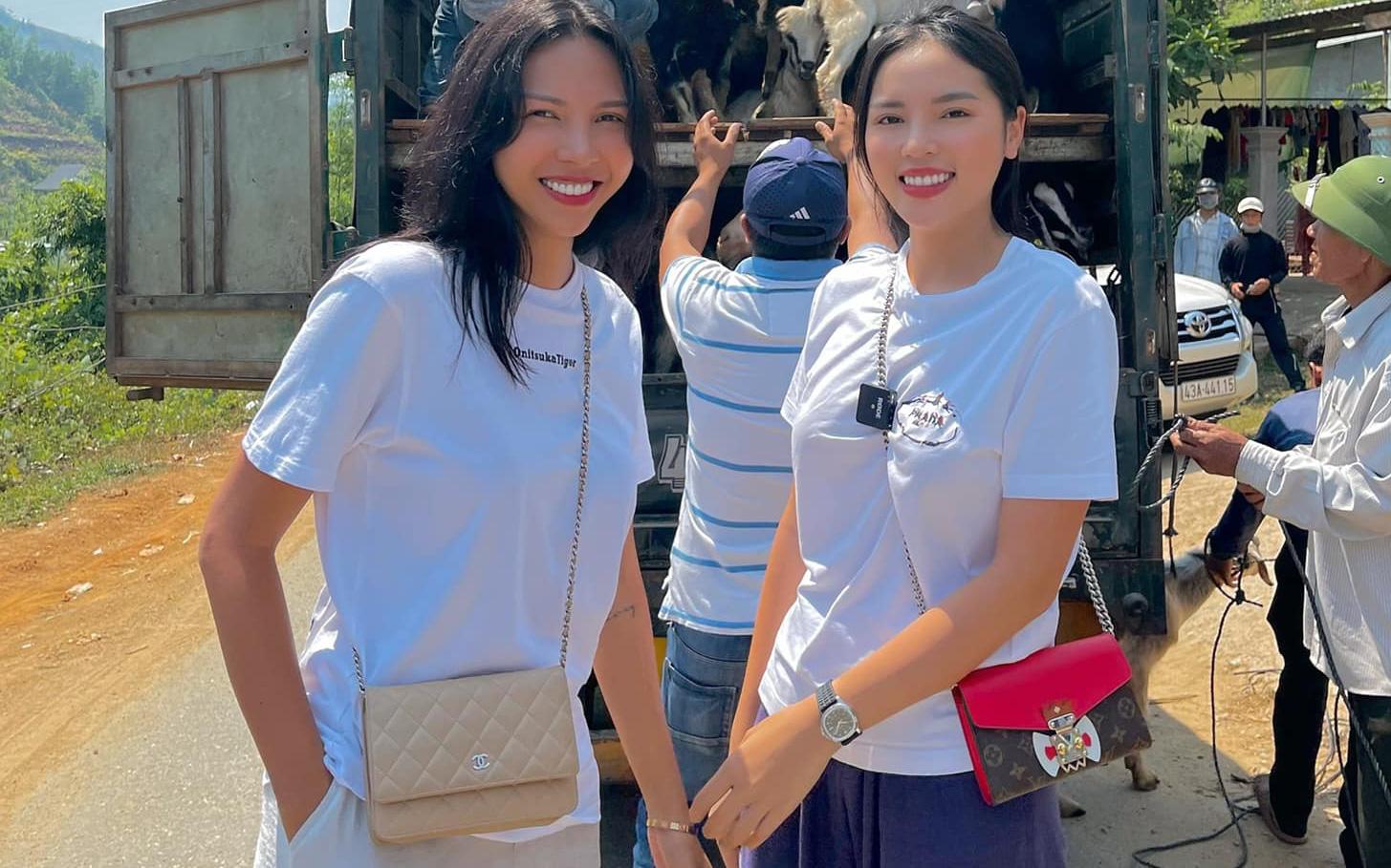 Hoa hậu Kỳ Duyên và Minh Triệu về Quảng Nam trao quà, cất nhà cho bà con tái thiết cuộc sống sau lũ