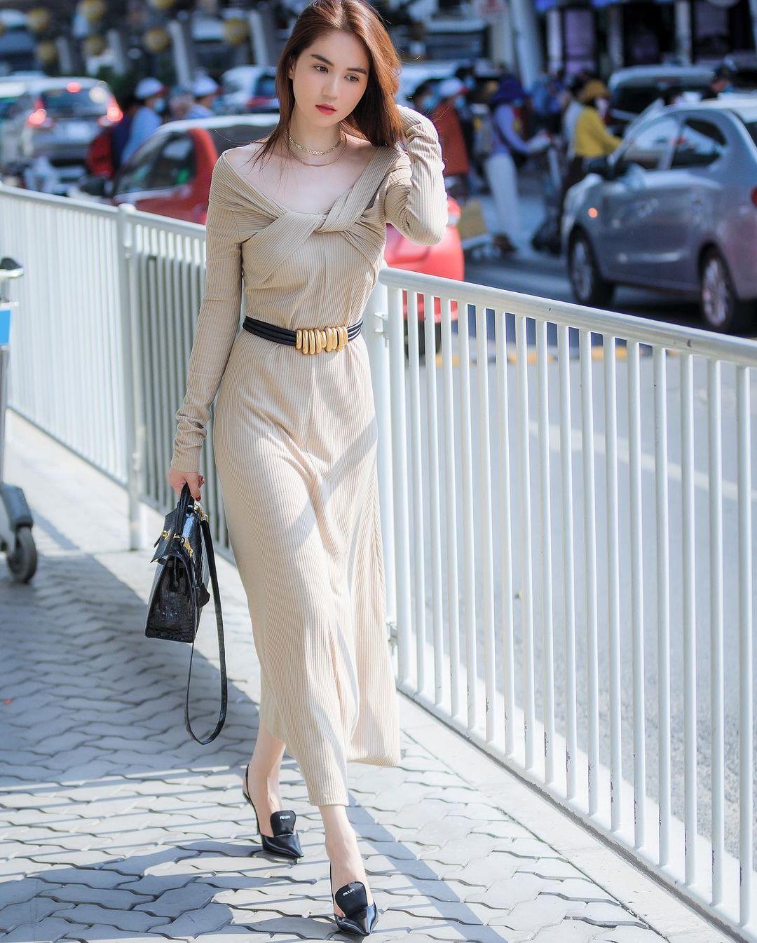Cầm túi Hermès , đi giày Prada nhưng pha lên đồ này của Ngọc Trinh lại kém sang hơn Hà Tăng và Diễm My 9x - Ảnh 4.