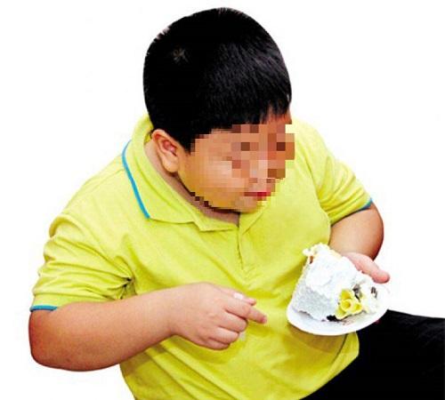 Cha mẹ lưu ý những điều này để đối phó với trẻ thừa cân, béo phì - Ảnh 2.