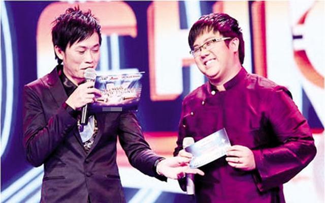 """""""Con trai"""" danh hài Hoài Linh bất ngờ đăng dòng trạng thái bóng gió nhắc nhở người phụ nữ không tiện nhắc tên: """"giàu phải sang nữa nhé chị""""  - Ảnh 2."""
