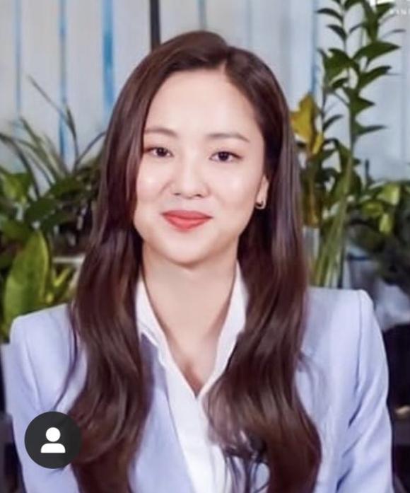 """Nhan sắc của Song Hye Kyo được so sánh giống với """"bạn gái"""" của Song Joong Ki: Như hai chị em sinh đôi? - Ảnh 3."""