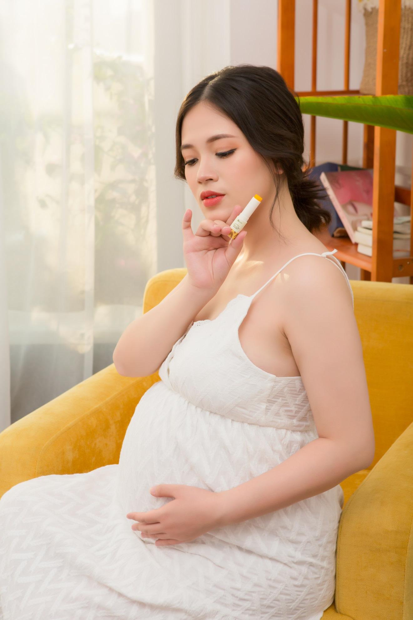 """Tạm biệt nứt, thâm môi khi mang thai với son dưỡng Gạo """"lành như cơm"""" - Ảnh 4."""