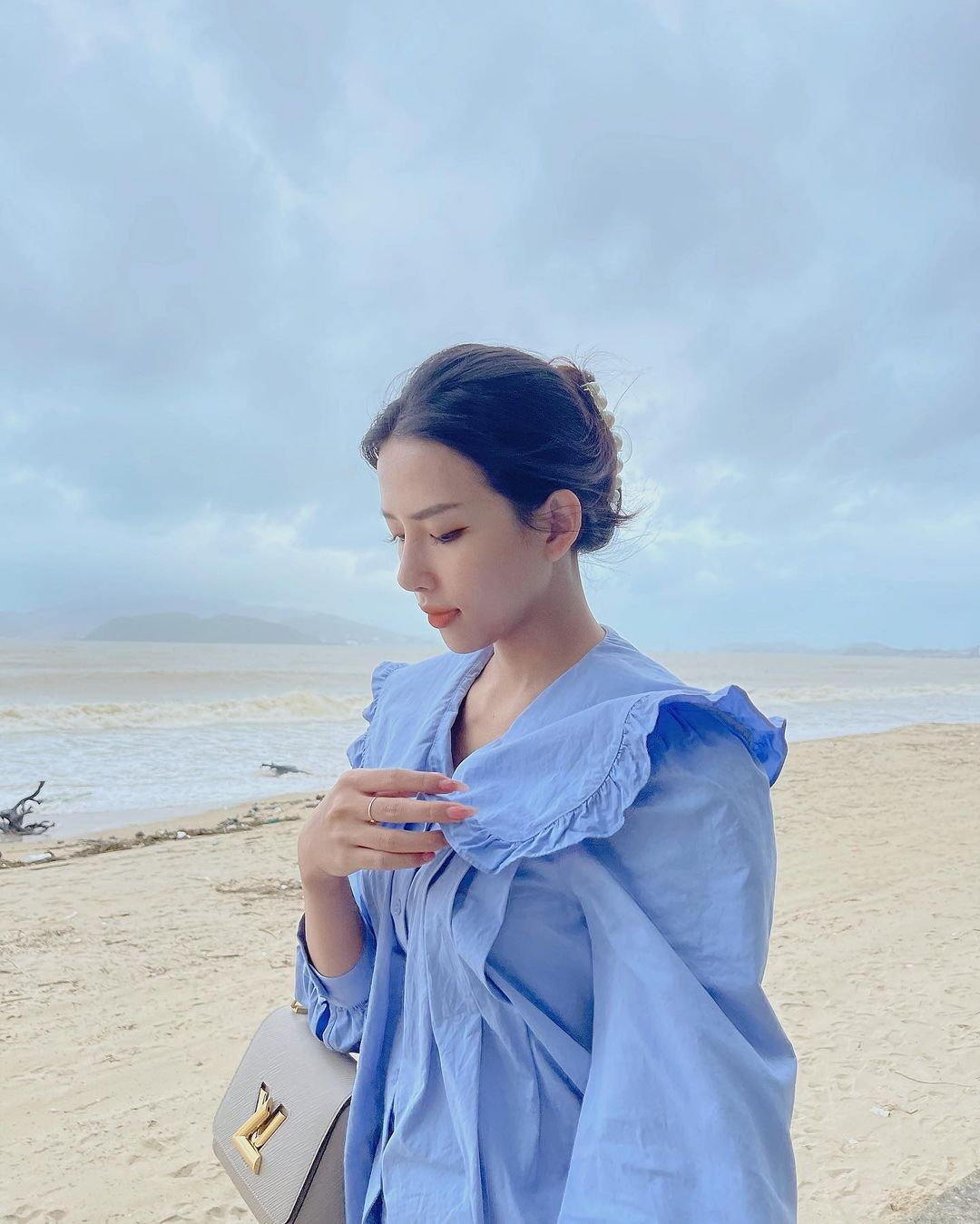 Lên cô dâu xinh đẹp xuất sắc, ngoài đời thường vợ của Phan Mạnh Quỳnh còn là quý cô hàng hiệu, mỗi ngày diện một chiếc túi xa xỉ đụng hàng cả dàn sao Vbiz - Ảnh 6.