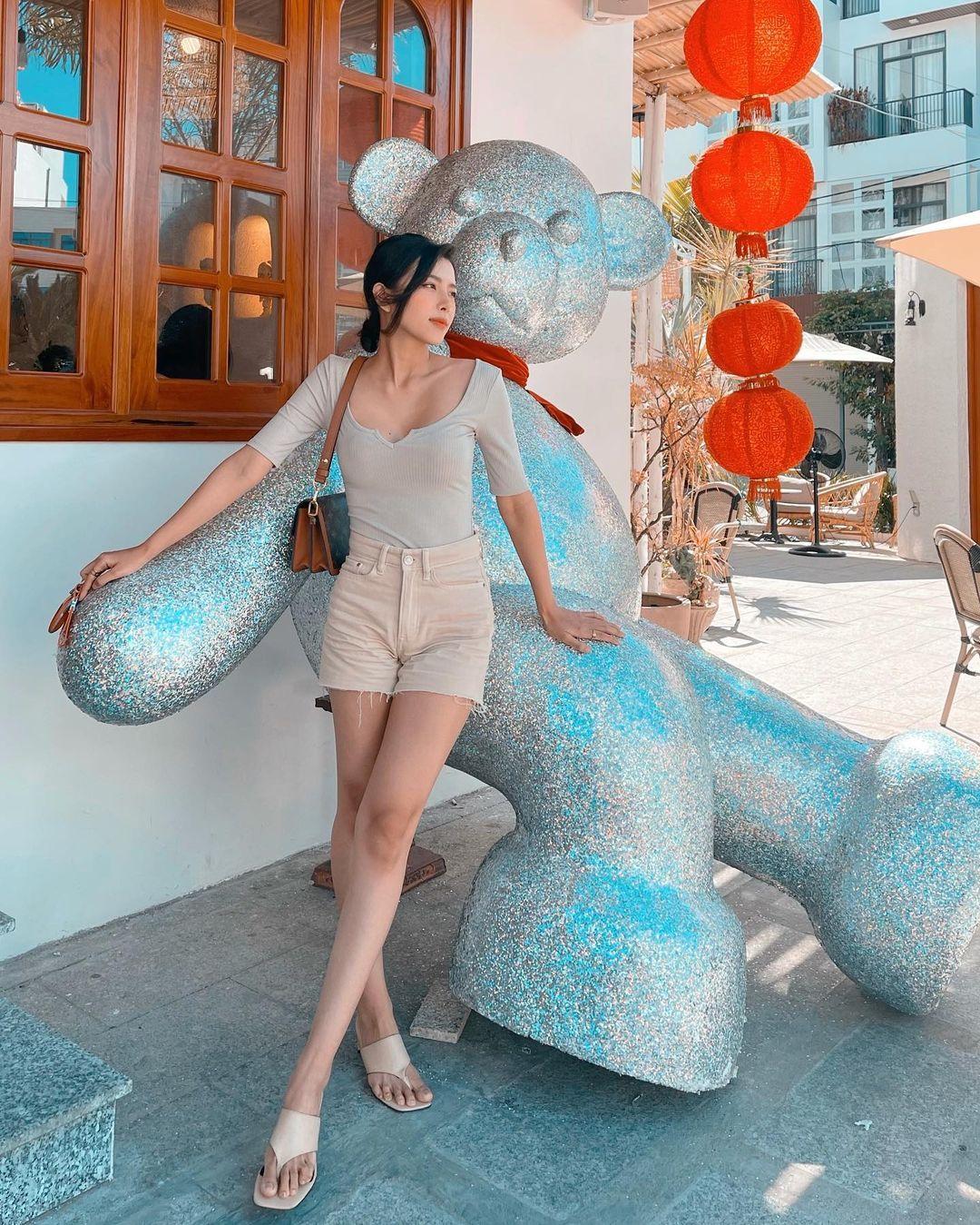 Lên cô dâu xinh đẹp xuất sắc, ngoài đời thường vợ của Phan Mạnh Quỳnh còn là quý cô hàng hiệu, mỗi ngày diện một chiếc túi xa xỉ đụng hàng cả dàn sao Vbiz - Ảnh 10.