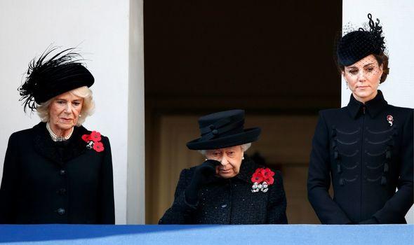 Tiết lộ điều mong muốn duy nhất của Nữ hoàng Anh tại tang lễ của Hoàng tế Philip, trong khi Meghan đã nhăm nhe chiếm spotlight  - Ảnh 1.
