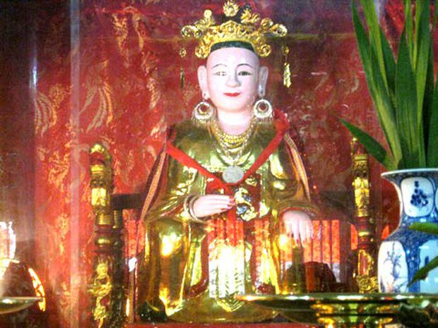 Nữ hoàng đế duy nhất của Việt Nam và chuyện tình bi kịch: Phải nhường ngôi cho chồng khi 7 tuổi, không thể sinh con nên chồng cưới chị dâu đang mang thai làm Hậu! - Ảnh 5.