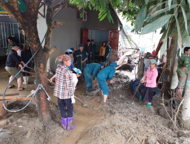 Hiện trường tan hoang sau vụ lũ ống lịch sử càn quét làm 3 người tử vong ở Lào Cai - Ảnh 5.