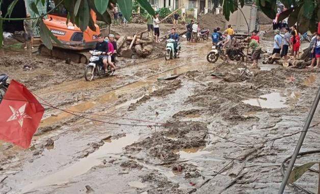 Hiện trường tan hoang sau vụ lũ ống lịch sử càn quét làm 3 người tử vong ở Lào Cai - Ảnh 7.
