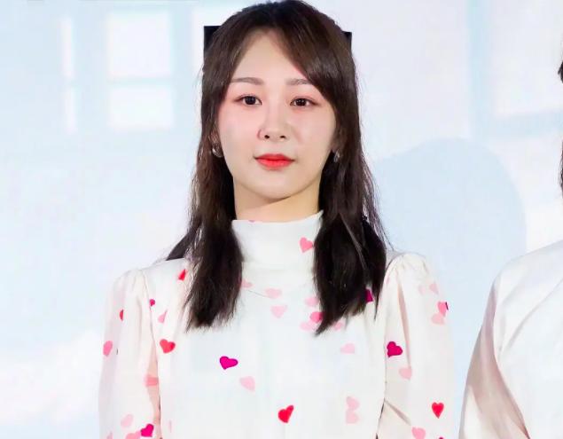 Dương Tử đăng ảnh mẹ đóng phim, netizen kêu gào về nhan sắc và lôi cả chuyện phẫu thuật thẩm mỹ ra mắng - Ảnh 6.