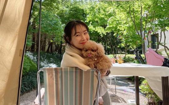 """Nhìn nhan sắc hiện giờ, ai nghĩ được Choi Ji Woo đã bước sang tuổi 46 và là """"mẹ một con"""""""