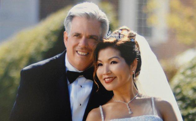 """Dành cả đời để theo đuổi """"giấc mơ Mỹ"""", mẹ đơn thân gốc Hàn giờ đã là vợ thống đốc kêu gọi người gốc Á đừng im lặng nữa - Ảnh 2."""