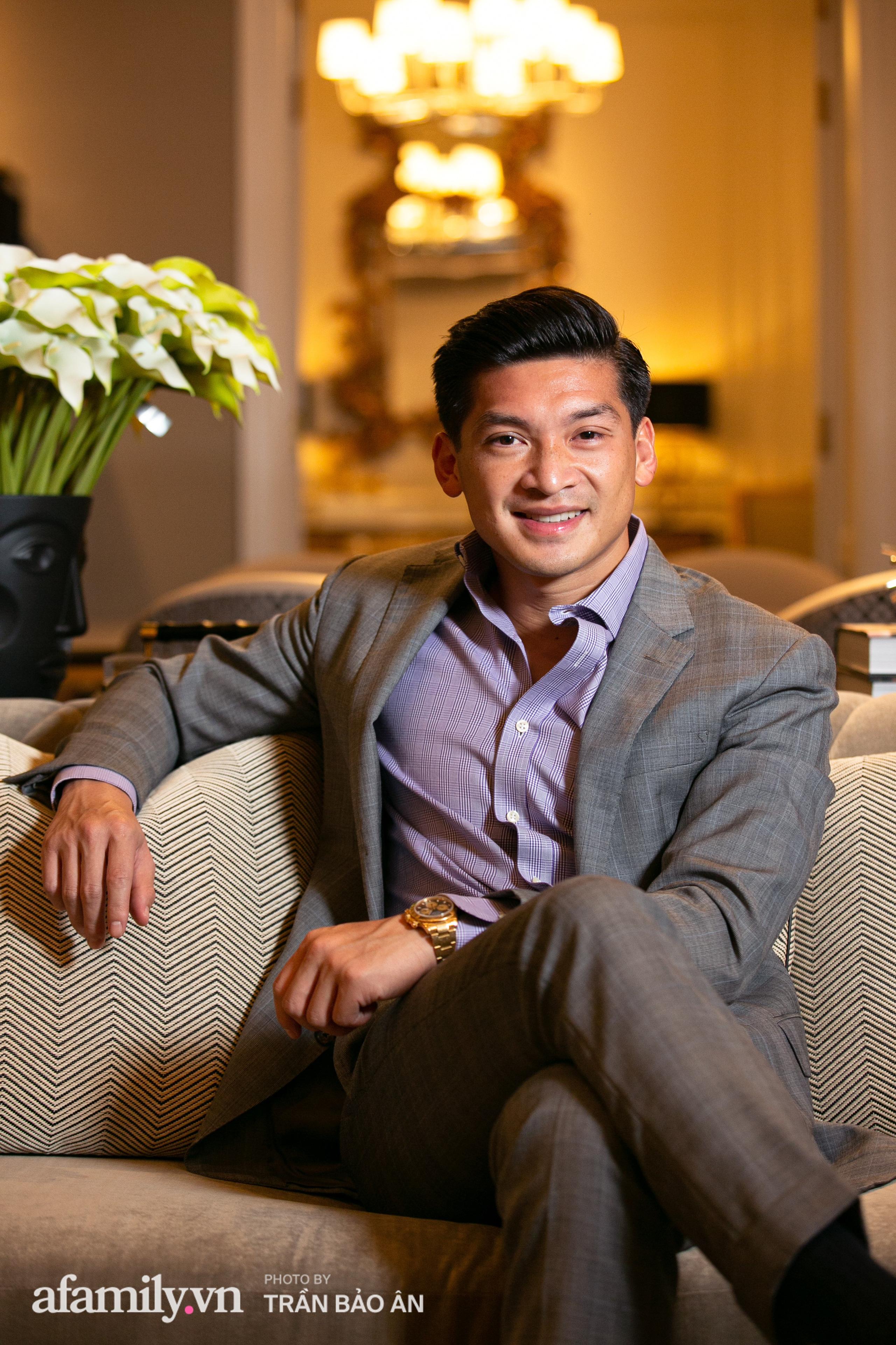 """Yves Huy Phan – CEO 30 tuổi đã làm chủ đế chế nội thất xa xỉ tiết lộ quá trình """"làm giàu"""" và điều bí mật ai cũng tò mò trong mối tình đồng giới với nhà thiết kế nổi tiếng - Ảnh 6."""