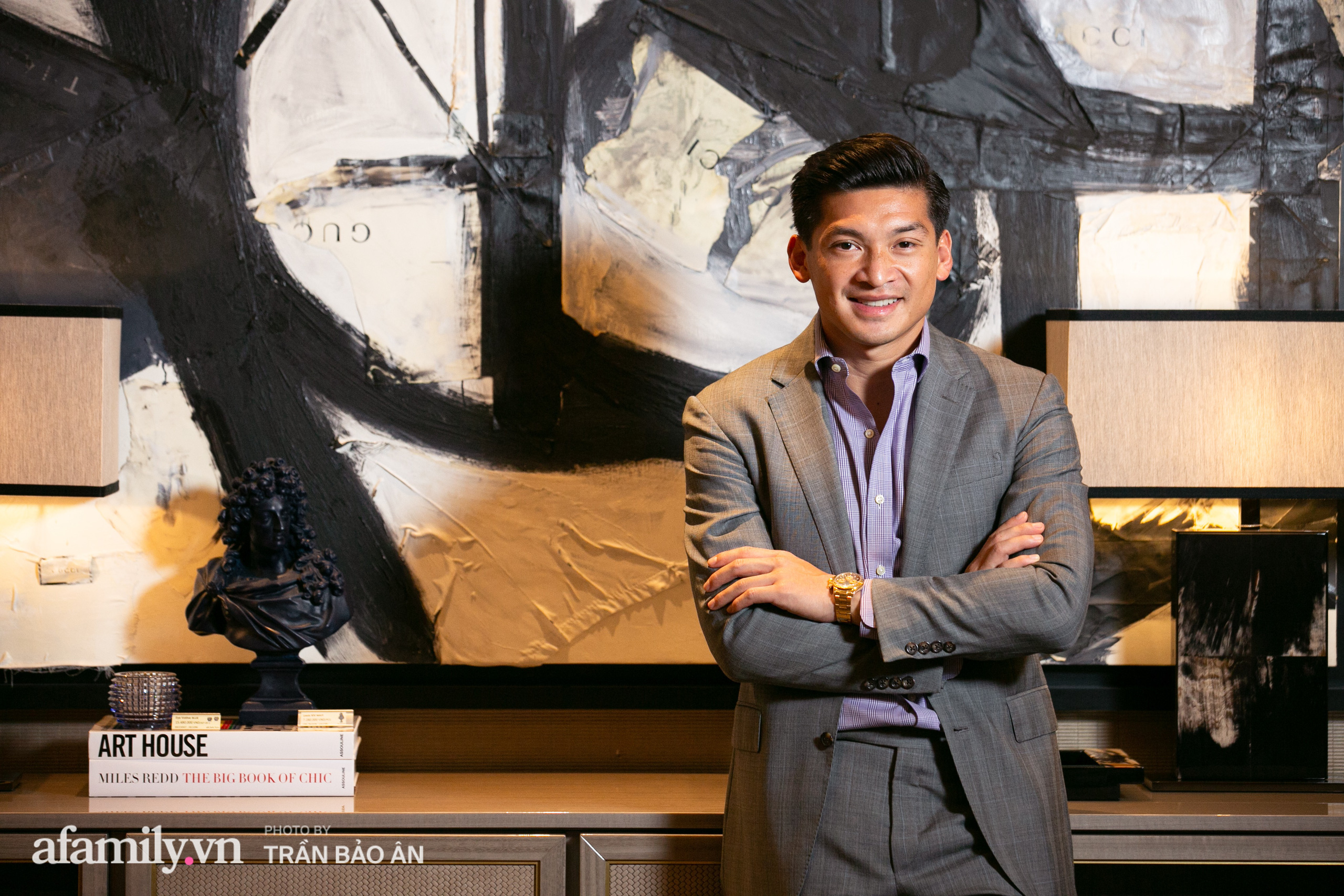 """Yves Huy Phan – CEO 30 tuổi đã làm chủ đế chế nội thất xa xỉ tiết lộ quá trình """"làm giàu"""" và điều bí mật ai cũng tò mò trong mối tình đồng giới với nhà thiết kế nổi tiếng - Ảnh 4."""