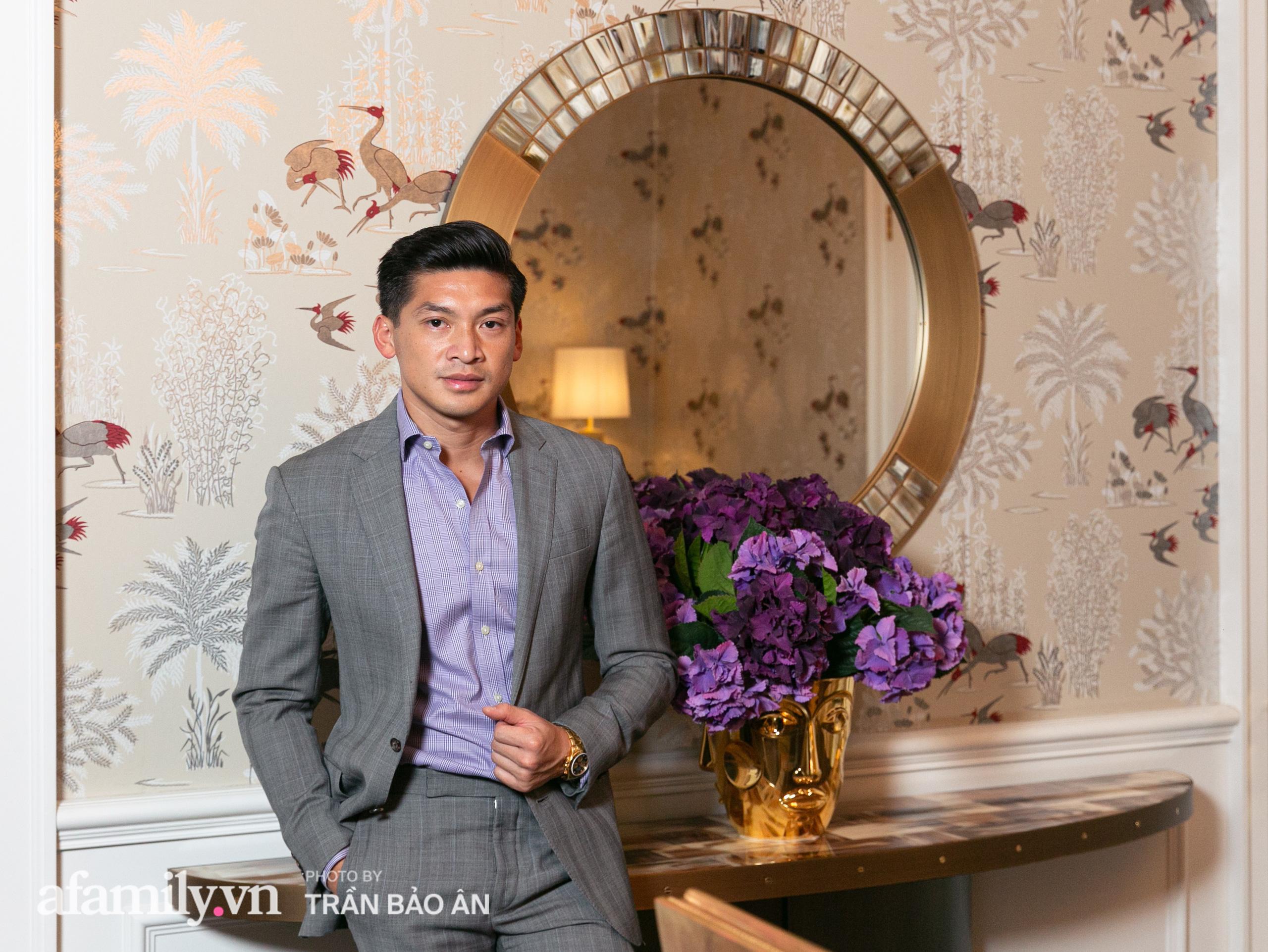 """Yves Huy Phan – CEO 30 tuổi đã làm chủ đế chế nội thất xa xỉ tiết lộ quá trình """"làm giàu"""" và điều bí mật ai cũng tò mò trong mối tình đồng giới với nhà thiết kế nổi tiếng - Ảnh 11."""