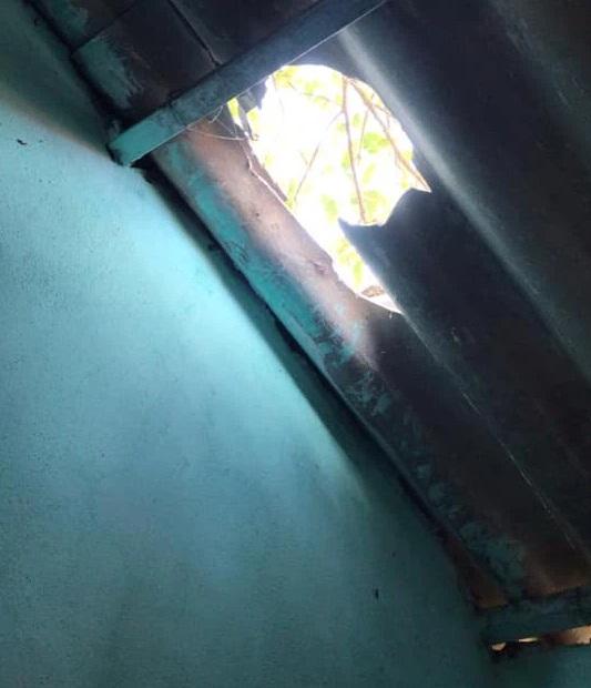 """Những pha chọc mít kinh điển kiểu """"đi vào lòng đất"""", dù cẩn thận đến đâu vẫn bị lủng đầu, thủng cả mái nhà - Ảnh 6."""