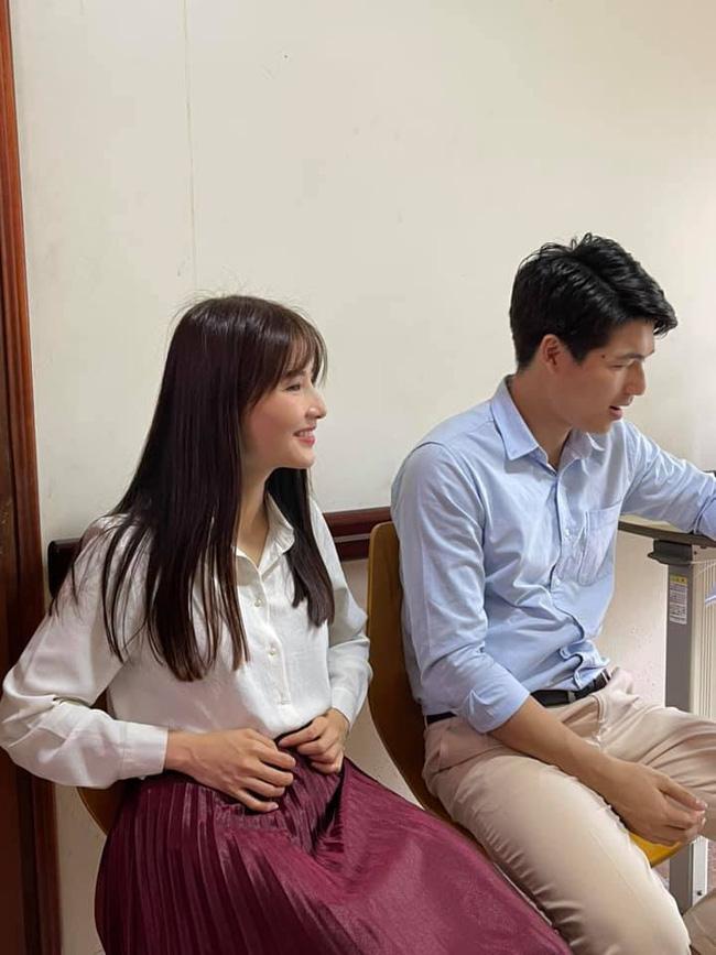 Hết Minh Hằng rồi đến Diễm My 9x khoe style công sở chuẩn sành điệu và thanh lịch trong phim mới - Ảnh 5.