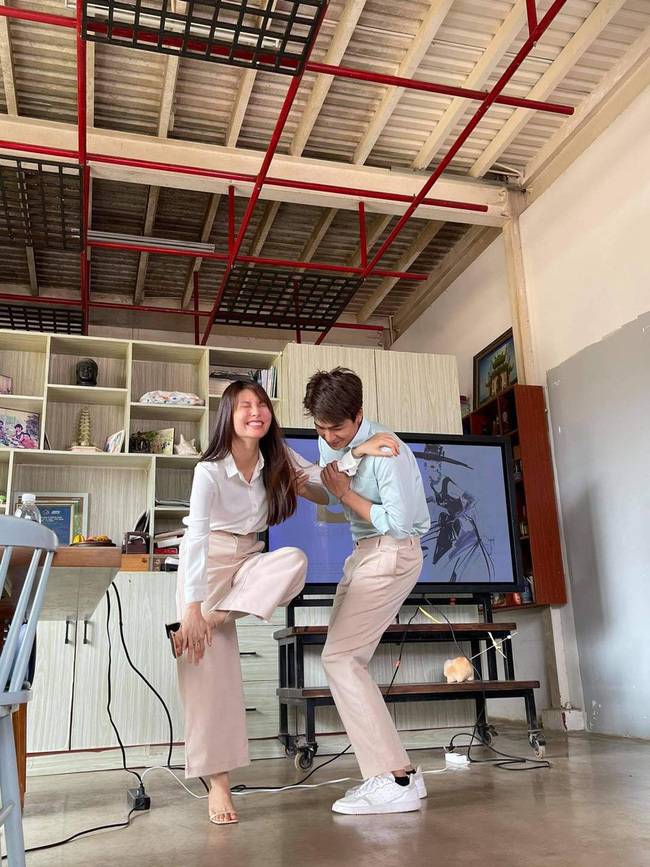 Hết Minh Hằng rồi đến Diễm My 9x khoe style công sở chuẩn sành điệu và thanh lịch trong phim mới - Ảnh 7.